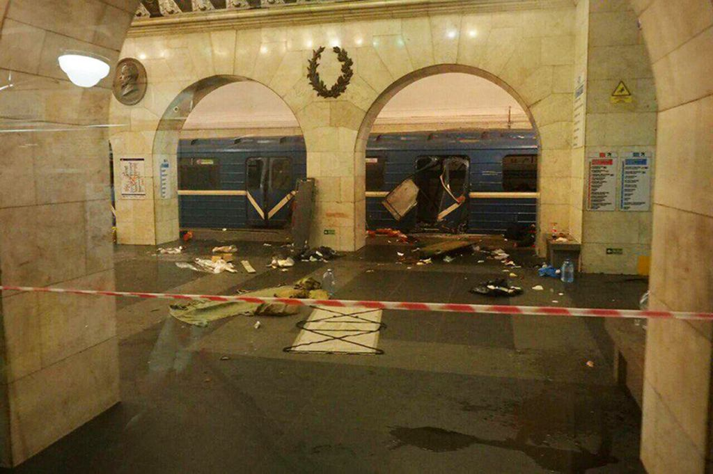 A subway train hit by a explosion stays at the Tekhnologichesky Institut subway station in St.Petersburg, Russia, Monday, April 3, 2017. (AP Photo/www.vk.com/spb_today via AP)