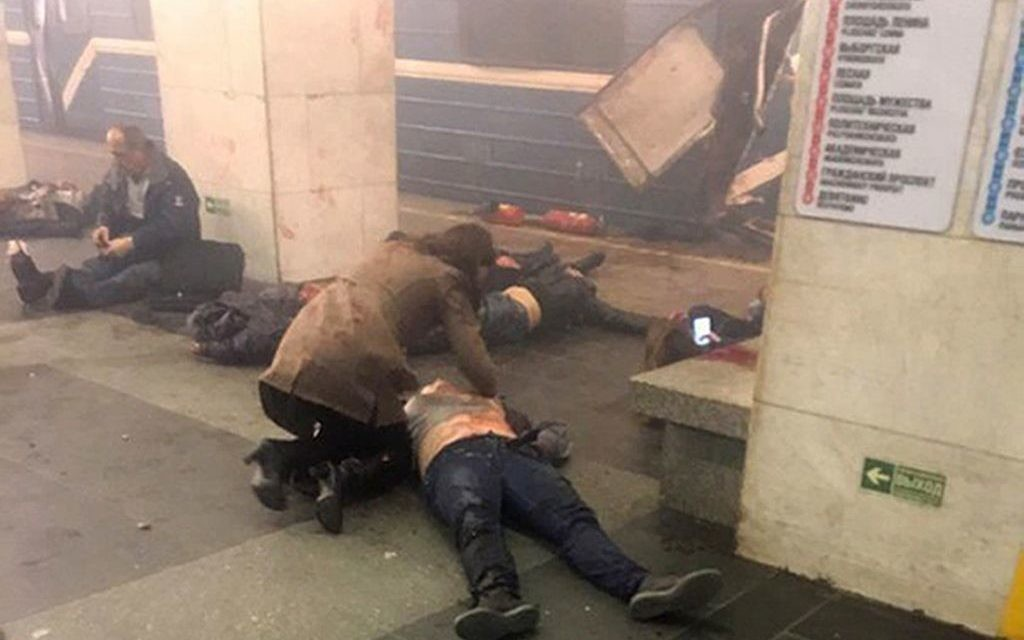 Blast victims lie near a subway train hit by a explosion at the Tekhnologichesky Institut subway station in St.Petersburg, Russia, Monday, April 3, 2017.  (AP Photo/www.vk.com/spb_today via AP)