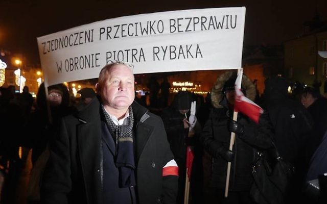 Piotr Rybak at a rally in his honor in Warsaw last year. (Krzysztof Bielawski/JTA)