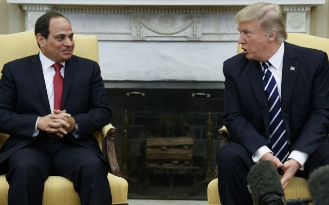US President Donald Trump (R) meets with Egyptian President Abdel Fattah al-Sissi in the Oval Office of the White House in Washington, DC, April 3, 2017. (AP/Evan Vucci)