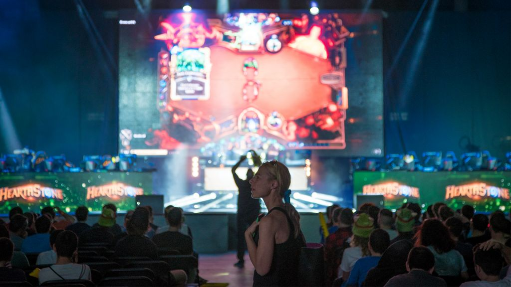 Spectators watch professional gamers at the GameIn Pro video game championships in Tel Aviv, April 5, 2017. (Luke Tress/Times of Israel)