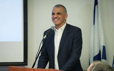 Finance Minister Moshe Kahlon at a press conference to announce new benefits for working families with young children, April 18, 2017. (Flash90)