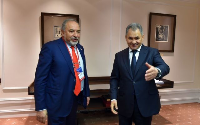Defense Minister Avigdor Liberman meets with Russian Defense Minister Sergei Shoygu in Moscow on April 26, 2017. (Ariel Hermoni/Defense Ministry)