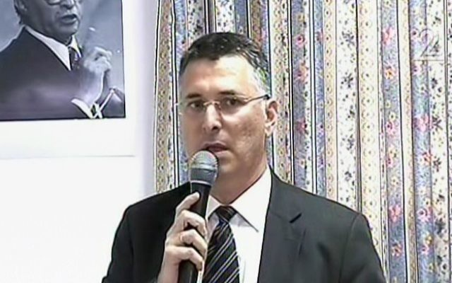 Gideon Saar announcing his political comeback in Acre on April 3, 2017. (screen capture: Channel 2)