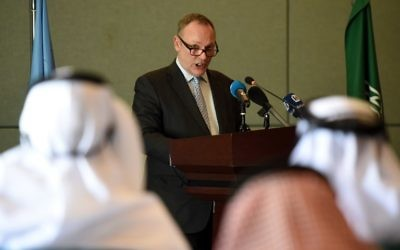 Ben Emmerson, Special Rapporteur on human rights and counter-terrorism for the Office of the United Nations High Commissioner for Human Rights (OHCHR), speaks during a press conference held in Riyadh on May 4, 2017, at the end of a visit to Saudi Arabia. (AFP PHOTO / FAYEZ NURELDINE)