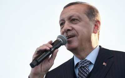 File: Turkish President Recep Tayyip Erdogan delivers a speech during the Istanbul Youth Festival in Istanbul on May 4, 2017. (AFP Photo/Ozan Kose)