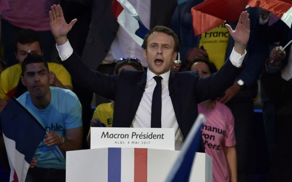 French presidential election candidate for the En Marche ! movement, Emmanuel Macron delivers a speech during a campaign meeting at the Place du Vigan in Albi southwestern France, on May 4, 2017. (AFP PHOTO / PASCAL PAVANI)