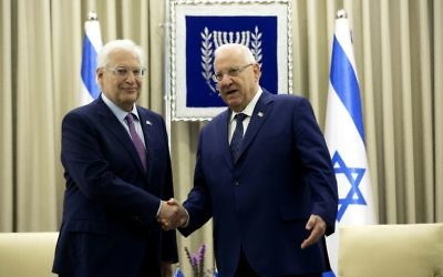 New US ambassador to Israel, David Friedman (L), meets with Israeli President Reuven Rivlin to present his credentials on May 16, 2017, in Jerusalem (AFP PHOTO / POOL / Heidi Levine)