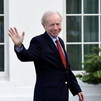 Former US senator from Connecticut Joe Lieberman leaves the West Wing of the White House after meeting with US President Donald Trump on May 17, 2017. (AFP/Olivier Douliery)