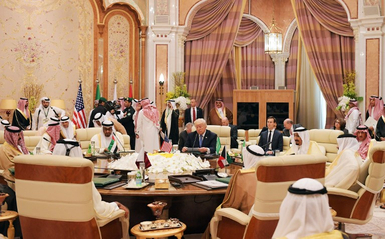 US President Donald Trump (C) attends a meeting with leaders of the Gulf Cooperation Council at the King Abdulaziz Conference Center in Riyadh on May 21, 2017. (AFP PHOTO / MANDEL NGAN)