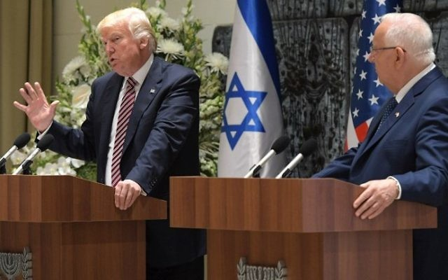 US President Donald Trump (L) and President Reuven Rivlin speak during a press conference at the President's Residence in Jerusalem on May 22, 2017. (AFP Photo/Mandel Ngan)