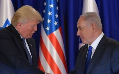 US President Donald Trump (L) and Israel's Prime Minister Benjamin Netanyahu shake hands after delivering press statements, before an official dinner in Jerusalem on May 22, 2017. (AFP PHOTO / MANDEL NGAN)