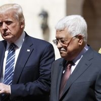 US President Donald Trump (L), welcomed by Palestinian Authority President Mahmoud Abbas at the presidential palace in the West Bank city of Bethlehem on May 23, 2017. (Thomas Coex/AFP)