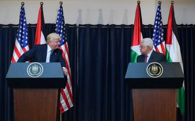 US President Donald Trump (L) and Palestinian Authority President Mahmoud Abbas give a joint press conference at the presidential palace in the West Bank city of Bethlehem on May 23, 2017. (MANDEL NGAN / AFP)