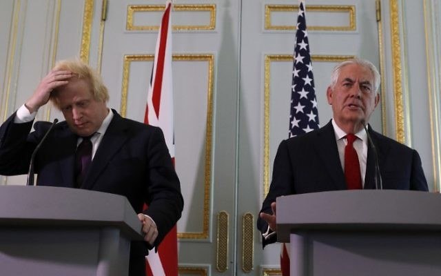 Britain's Foreign Secretary Boris Johnson (L) and US Secretary of State Rex Tillerson attend a joint press conference following their meeting at Carlton Gardens in London, on May 26, 2017. (Adrian Dennis/ AFP)