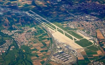An aerial view of the Stuttgart airport. (CC BY-SA 3.0 Wikimedia commons)