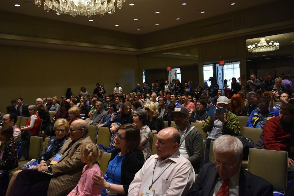 Attendees gather to hear a speaker at Limmud FSU in New York, May 14-16, 2017. (Courtesy)