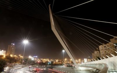 Night view of the Chords bridge at the entrance to Jerusalem, November 20, 2013. (Miriam Alster/Flash 90/file)