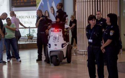 Illustrative: Police officers seen at Israel's Ben Gurion International Airport on July 19, 2016. (Yonatan Sindel/Flash90)
