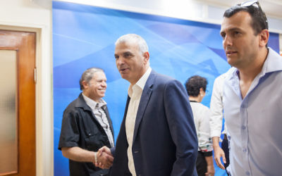 Finance Minister Moshe Kahlon arrives at the weekly cabinet meeting at the Prime Minister office in Jerusalem on May 3, 2017. (Emil Salman/POOL)