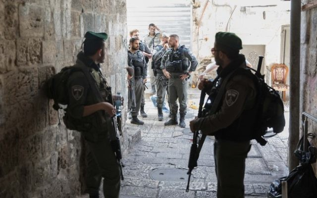 Security forces in Jerusalem's Old City after a Jordanian stabbed an Israeli police officer, on May 13, 2017. (Flash90)