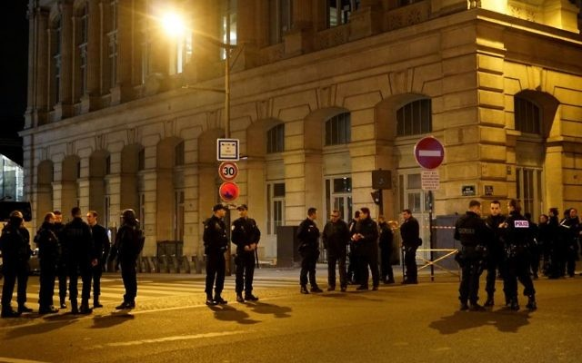 Police stand guard outside Paris' Gare du Nord station  following a security incident on May 9, 2017. (AP Photo/Raphael Satter)