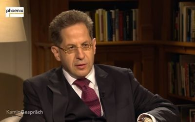 German domestic intelligence chief Hans-Georg Maassen being interviewed on February 12, 2017. (Screen capture: YouTube)