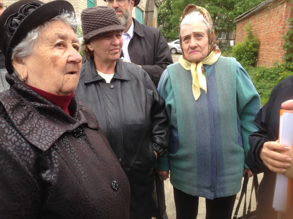 From Left: Rita Schweibes, Katja and Galina Delezha-Pysko in Tulchyn, Ukraine, May 10, 2017 (Sue Surkes)