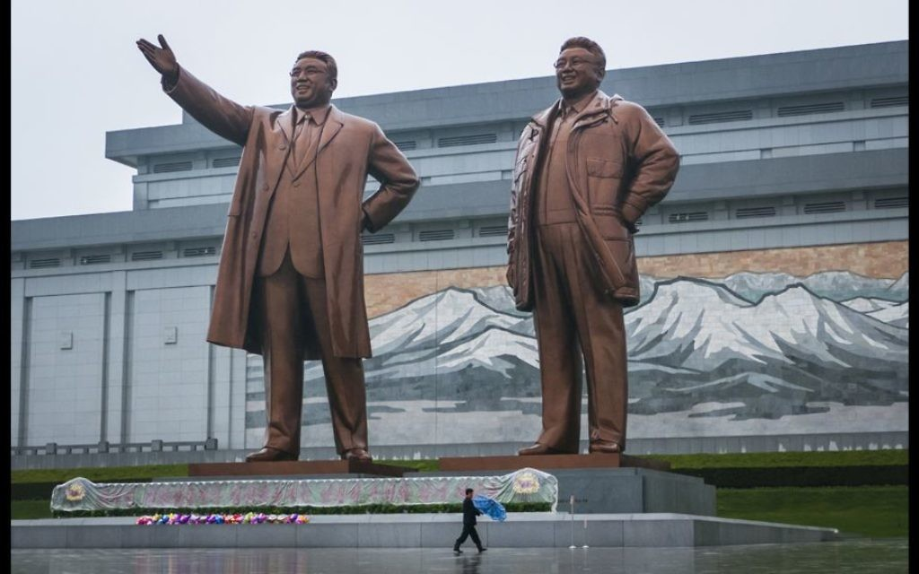 Bronze statues of Kim Il-sung and Kim Jong-il, part of the Mansu Hill Grand Monument in the North Korean capital of Pyongyang. (Moshe Shai)