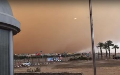 Poor visibility caused by a sandstorm in Eilat, May 18, 2017. (Youtube screenshot)