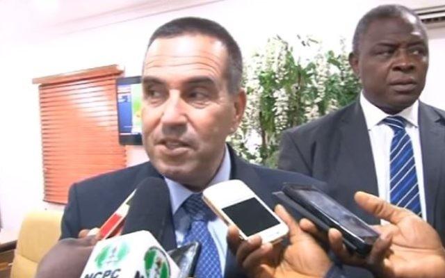 Israel's ambassador to Nigeria Guy Feldman (L) addresses the media at the Executive Secretary Nigerian Christian Pilgrim Commission Rev. Tor Ujah May 14, 2017. (Screen capture/YouTube)