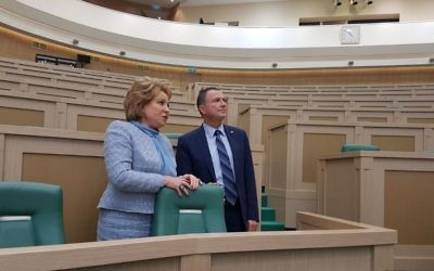Knesset Speaker Yuli Edelstein meets with Chairwoman of the Russian Federation Council Valentina Matvienko in Moscow on June 27, 2017. (Knesset spokesperson's office/Israeli embassy in Moscow)