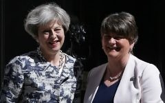 Britain's Prime Minister Theresa May (L) poses for a picture with Democratic Unionist Party (DUP) leader Arlene Foster at 10 Downing Street in London on June 26, 2017. (AFP Photo/Daniel Leal-Olivas)