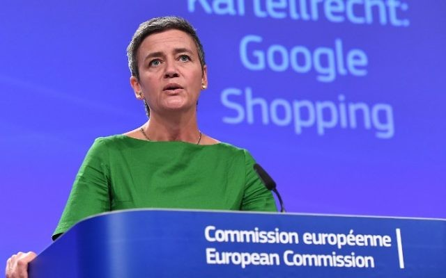 European Commissioner for Competition Margrethe Vestager addresses a press conference on an antitrust case against US search engine Google at the European Commission in Brussels, on June 27, 2017. (EMMANUEL DUNAND / AFP)