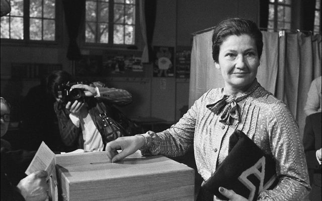 (FILES) This file photo taken on June 10, 1979 shows Simone Veil casting her ballot in Paris during the European elections. (Pierre Guillaud/AFP)