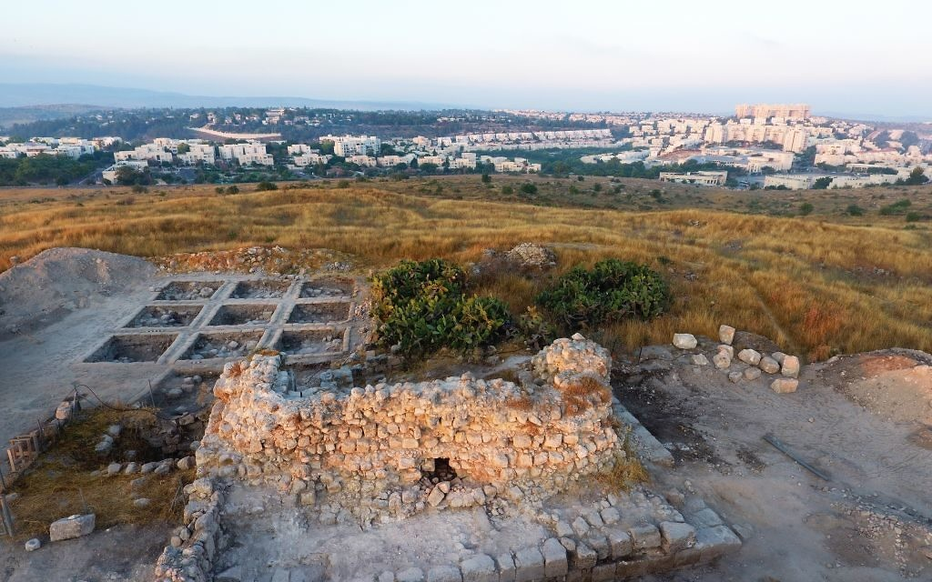 The Tittora excavations at Modi'in, Israel. (Aerial photo: Yitzhak Marmelstein, Israel Antiquities Authority)