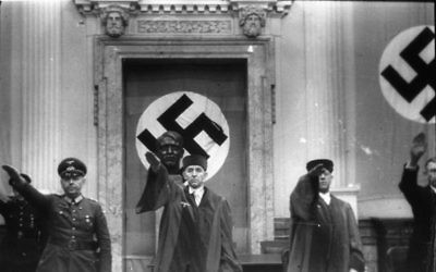 The so-called 'People's Court' of Nazi Germany, set up outside of normal constitutional frameworks, 1944 (Public domain)