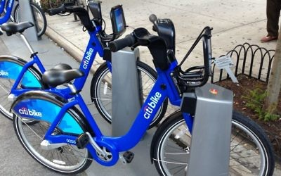 Illustrative image of a bicycle from New York's Citi Bike bike sharing program June 2013. (CC BY-SA mikepanhu, Wikimedia commons)