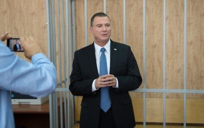 Knesset Speaker Yuli Edelstein speaks in the Moscow courthouse where he was sentenced to forced labor on trumped-up drug charges in 1984. June 28, 2017 (Israeli embassy in Russia/Courtesy)