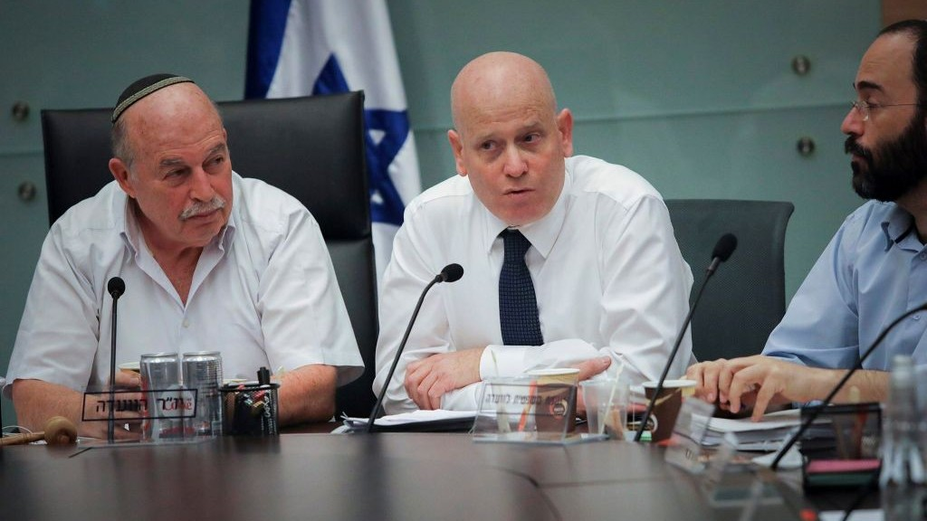 Jewish Home MK Nissan Slomiansky (L) and Knesset legal adviser Eyal Yinon (C) attend a Knesset Law, Justice and Constitution meeting on November 22, 2016. (Issac Harari/Flash90)