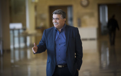Labor MK Amir Peretz arrives at a Foreign Affairs and Defense Committee meeting at the Knesset, on March 20, 2017. (Yonatan Sindel/Flash90)