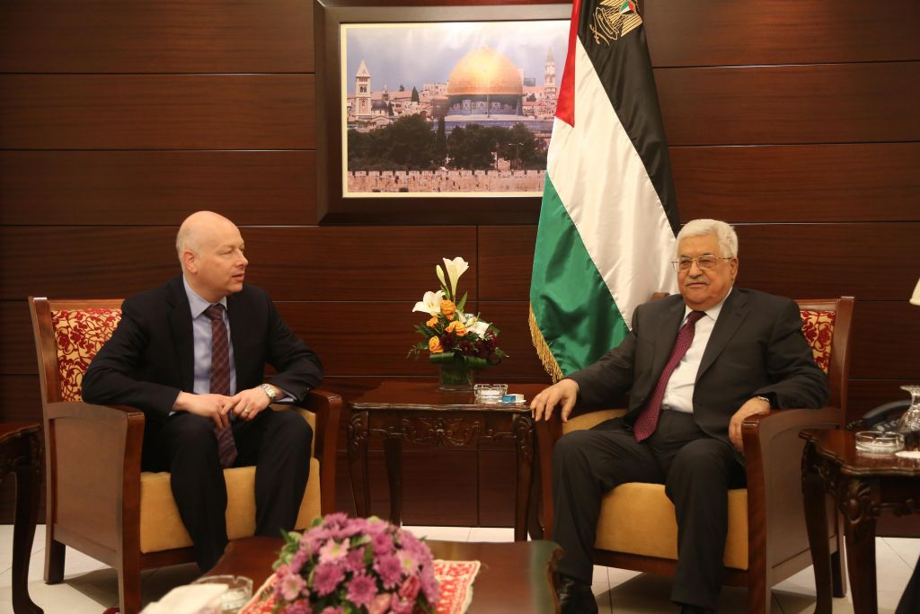 US President's envoy to the Middle East Jason Greenblatt meets with Palestinian leader Mahmoud Abbas in the West Bank city of Ramallah on May 25, 2017. (FLASH90)