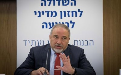 Defense Minister Avigdor Liberman in the Knesset, June 12, 2017. (Yonatan Sindel/Flash90)