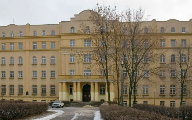 The Chachmei Lublin Yeshiva in Lublin, Poland. (CC BY-SA 2.5, Krzysztof Schabowicz, WIkipeda)