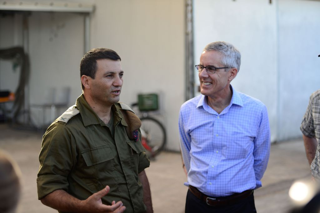 Retired US vice admiral Peter Neffenger, left, speaks with Brig. Gen. Yaniv Asor, commander of the IDF's 210th Division, during a visit to Israel with the Jewish Institute for National Security of America in June 2017. (IDF Spokesperson's Unit)