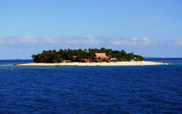 An island in the Mamanuca Islands group, Fiji. (Wikipedia/Isderion/CC BY-SA)