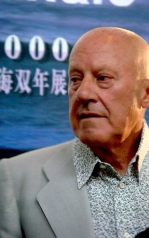 Norman Foster in 2008 (CC BY-SA, Andy Miah, WikiMedia Commons)