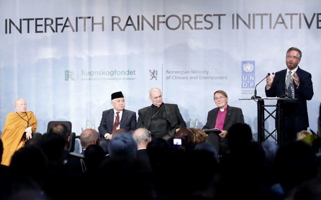 Rabbi David Rosen speaks during the Interfaith Rainforest Initiative in Oslo, Norway, June 19, 2017. (Lise Aserud/NTB Scanpix via AP)