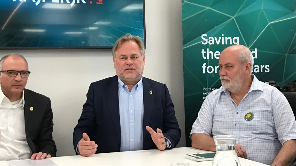 Eugene Kaspersky (center) and other officials at inauguration of Jerusalem office and R&D center. (Shoshanna Solomon/Times of Israel)