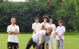 Cricket player Naomi Eytan (c) in action (courtesy)
